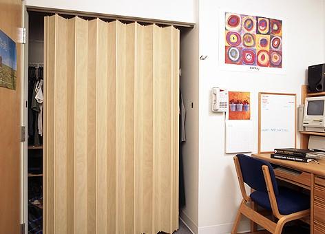 איך לבחור דלת אקורדיון לבית?